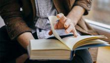 """,,Ce lași în urmă. Despre epitaf"""" este tema lunii februarie a Seratelor Bibliotecii Județene """"Lucian Blaga"""" Alba"""